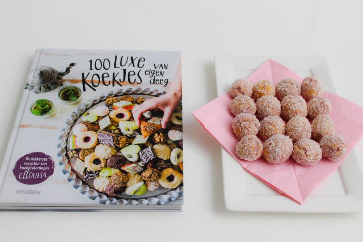 Koekjesboek 100 Luxe koekjes van eigen deeg en een bord vol koekjes uit het boek